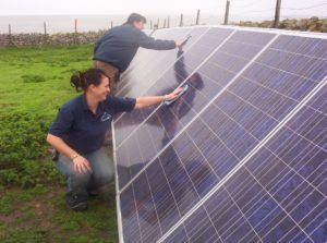 Flat_Holm_PV_solar_array_near_Farmhouse